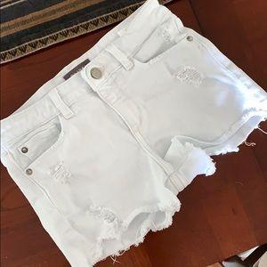 Cool Dl1961 White Denim shorts!!!!!